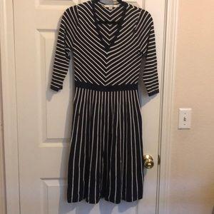 Flattering Boden navy knit dress